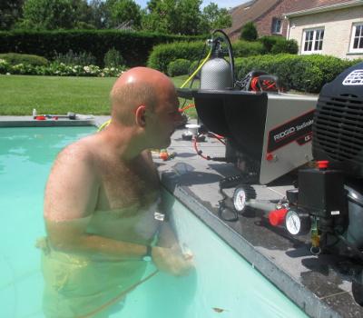Leck im pool for Garten pool leeren